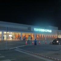 Foto tomada en Via Verde Shopping por Roberto G. el 3/4/2013