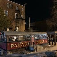 Foto tirada no(a) Palace Diner por Adam C. em 3/17/2019