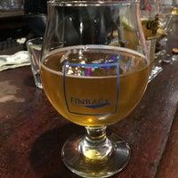 Foto tirada no(a) Neir's Tavern por Carmela I. em 12/1/2017