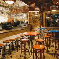 Foto scattata a Ruby Wine Bar da Ruby Wine Bar il 6/25/2015