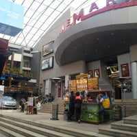 รูปภาพถ่ายที่ Plaza de Las Américas โดย Marco C. เมื่อ 2/7/2013