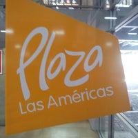 รูปภาพถ่ายที่ Plaza de Las Américas โดย Marco C. เมื่อ 6/15/2013