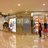 c792fe5cf47 ... Photo taken at Tory Burch by Asaliah . on 12 4 2012 ...