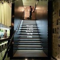 Foto tirada no(a) Officina Restô Bar por Alessandra F. em 2/18/2015