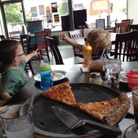 6/8/2013にcharlesがJoey's Pizzeriaで撮った写真