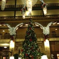 Das Foto wurde bei The Brown Palace Hotel and Spa von Megan P. am 12/7/2012 aufgenommen