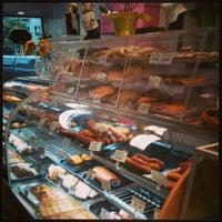 รูปภาพถ่ายที่ Moscow & Tbilisi Russian Bakery โดย Evelyn เมื่อ 7/15/2013