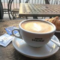 Das Foto wurde bei Caffè Nero von Kleber P. am 9/25/2017 aufgenommen
