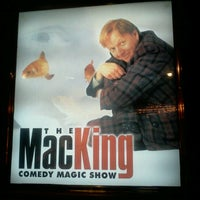 Foto diambil di The Mac King Comedy Magic Show oleh Gabriel G. pada 11/23/2012