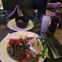 รูปภาพถ่ายที่ Cratos Premium Restaurant โดย Ercan O. เมื่อ 10/4/2018