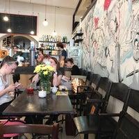 Das Foto wurde bei Café Na kole von Zuzana M. am 5/18/2019 aufgenommen