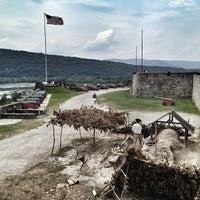 Foto tirada no(a) Fort Ticonderoga por Cari em 8/1/2013