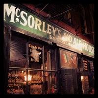 Photo prise au McSorley's Old Ale House par Trent V. le4/27/2013