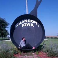 Iowa S Largest Frying Pan Monument Landmark In Brandon