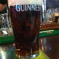 Foto diambil di Shannon's Irish Bar oleh Kate G. pada 1/8/2013