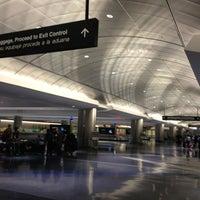 รูปภาพถ่ายที่ George Bush Intercontinental Airport (IAH) โดย marcelo m. เมื่อ 8/8/2013