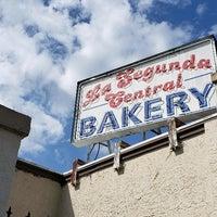 Foto diambil di La Segunda Bakery oleh Gregory W. pada 3/2/2020