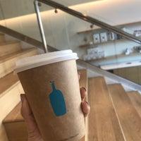 Photo prise au Blue Bottle Coffee par Johanna S. le10/7/2018