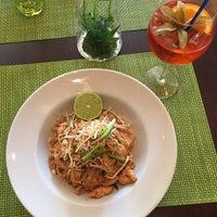 Das Foto wurde bei Vee's Bistro - Thai Food - Take away von Lubos P. am 7/3/2015 aufgenommen