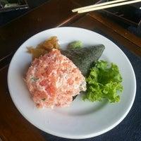 Foto scattata a Hachi Japonese Food da Paulinho R. il 10/14/2012