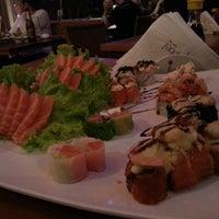 Foto tirada no(a) Hanbai Sushi Bar por Paulinho R. em 3/21/2013