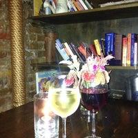 Foto diambil di Jadis oleh Maria E pada 10/2/2012