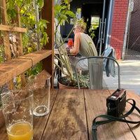 Foto diambil di Hoi Polloi Brewpub & Beat Lounge oleh Jennifer D. pada 9/14/2021
