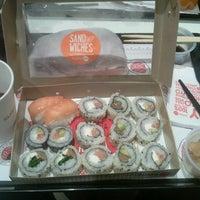 Снимок сделан в Sushi Pop пользователем Eduardo T. 1/25/2013