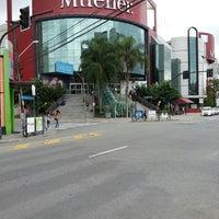 3/23/2013 tarihinde Adriano V.ziyaretçi tarafından Shopping Mueller'de çekilen fotoğraf