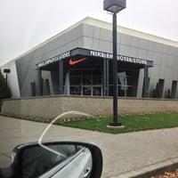 timeless design 68a76 c9e2e ... Photo taken at Nike Employee Store by Rafael S. on 11 9 2012 ...
