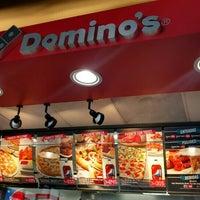 Foto tomada en Dominos pizza por Denis J. G. el 2/3/2016