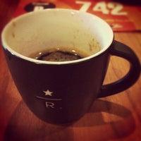 Foto scattata a Starbucks da Chris T. il 11/22/2012