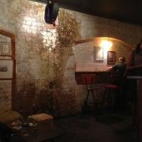2/19/2013 tarihinde Robyn L.ziyaretçi tarafından Grandma's Bar'de çekilen fotoğraf