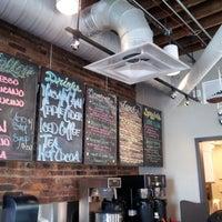 Foto tirada no(a) Coffee, Lunch. por Juandale em 1/11/2013