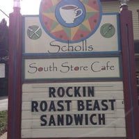 Photo prise au The South Store Cafe par Dolly M. le3/1/2013