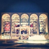 Снимок сделан в Lincoln Center for the Performing Arts пользователем Quyen C. 10/25/2012