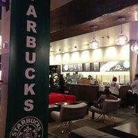 Снимок сделан в Starbucks пользователем Daneil 2/23/2013