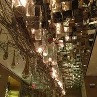 12/25/2012にHajar S.がSOUTHGATE Bar & Restaurantで撮った写真