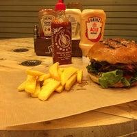 Photo prise au BamBam Burger par Fulya S. le3/1/2017