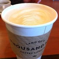 Foto scattata a Land of a Thousand Hills Coffee da Rio il 12/15/2012