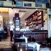 Foto scattata a Blend Bar da Rafael W. il 6/3/2013
