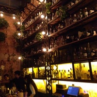 Foto tomada en Gin Gin por Logan V. el 8/2/2015