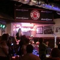 Снимок сделан в Guston's Grille - Kennesaw пользователем Pat B. 8/11/2013