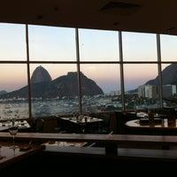 Foto tirada no(a) Botafogo Praia Shopping por Bernardo P. em 5/14/2013