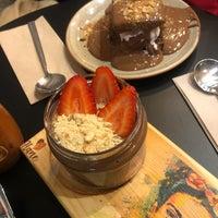 2/15/2020 tarihinde Oğuzhan K.ziyaretçi tarafından Hane Çikolata & Kahve'de çekilen fotoğraf