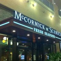 รูปภาพถ่ายที่ McCormick & Schmick's โดย iDork g. เมื่อ 11/5/2012