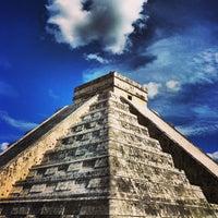 Foto tomada en Zona Arqueológica de Chichén Itzá por iDork g. el 1/12/2013