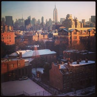Снимок сделан в NYU Greenwich Residence Hall пользователем Lauren E. 2/3/2013
