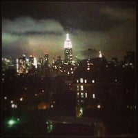 Снимок сделан в NYU Greenwich Residence Hall пользователем Lauren E. 3/11/2013