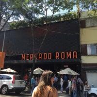 Foto diambil di Mercado Roma oleh Clauari A. pada 4/4/2015